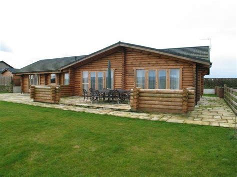 3 bedroom mobile home for sale 3 bedroom mobile home for sale in braides lodge former garage 7 4 acres ag land building