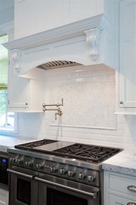 kitchen range backsplash coastal homes interior design ideas home bunch