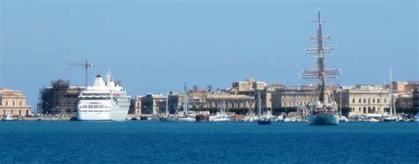siracusa porto siracusa addio al ponte dei calafatari iniziata la