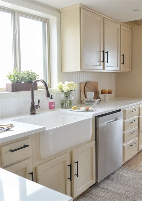 white quartz kitchen sink best 25 white quartz countertops ideas on