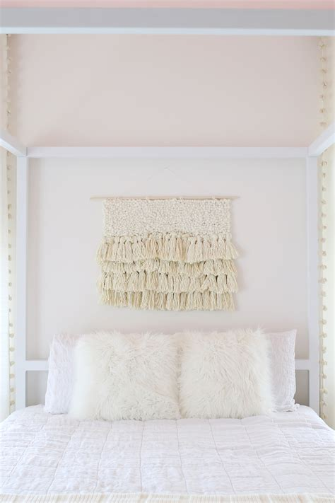 white wall decor  chic styling tricks  simple walls