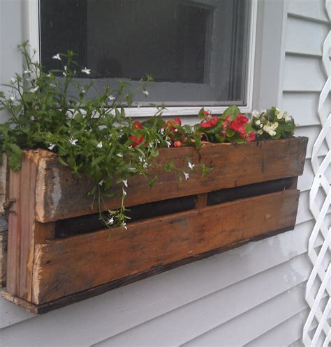 best 25 pallet flower box ideas on wooden