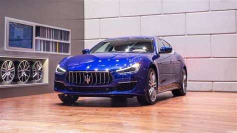 ghibli maserati 2018 2018 maserati ghibli granlusso gransport debut in the