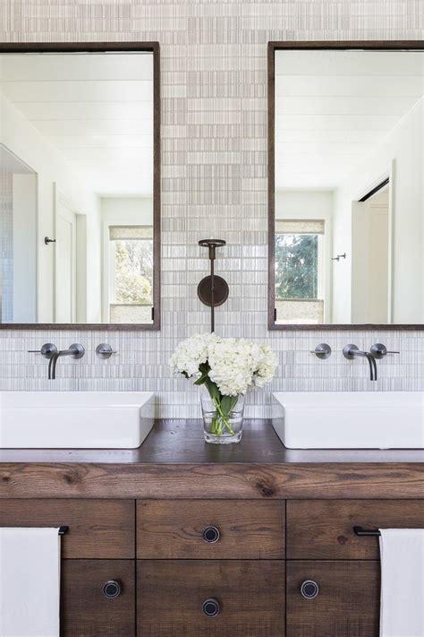 modern rustic bathroom vanity 25 best ideas about rustic chic bedrooms on pinterest
