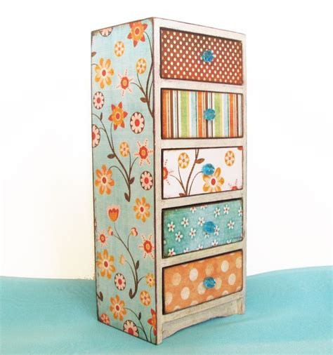 Decoupage Wood Furniture - decoupage furniture got mod podge