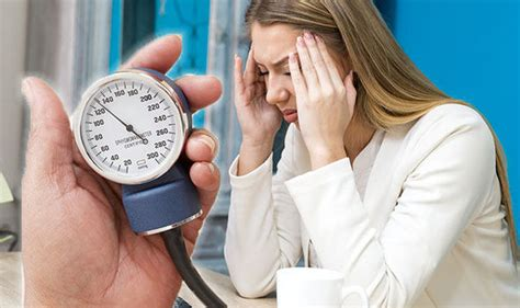 Low Blood Pressure Symptoms Feeling Dizzy And Light
