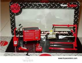 mac tools diecast car garage accessories tool kit 1 24