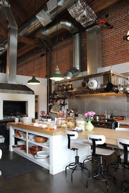 Kitchen Bistro by Best 25 Open Kitchen Restaurant Ideas On