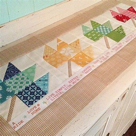 leaf pattern table runner 313 best images about autumn quilts on pinterest runners