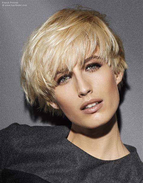 Hair Style For Less Volume And Hair For by Haircut With Volume A Bowl Shape And A Tapered Neck