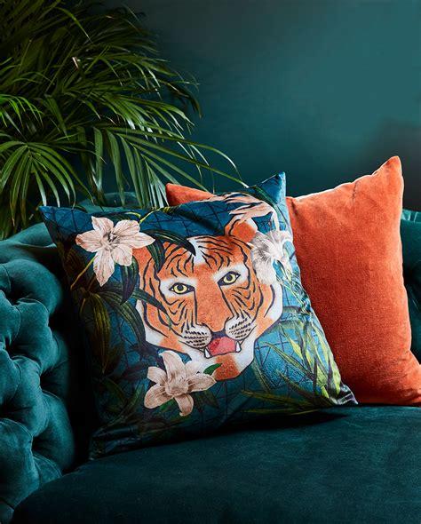 tips  add velvet   living room madecom