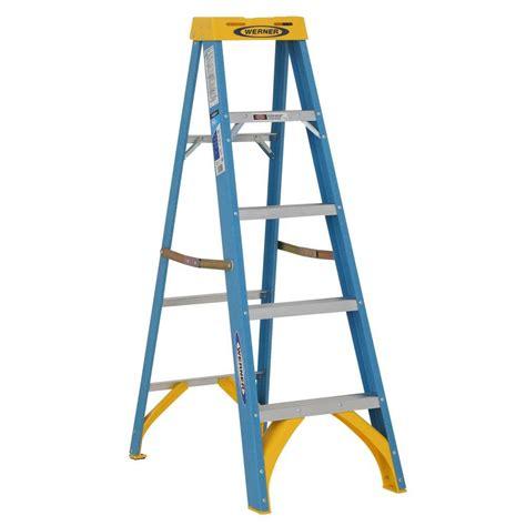 werner 5 ft fiberglass step ladder with 250 lb load