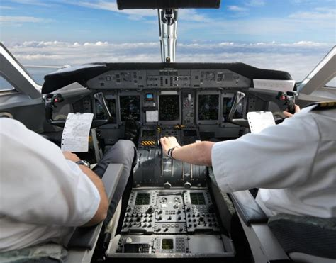 depression symptoms and suicidal thoughts common in pilots