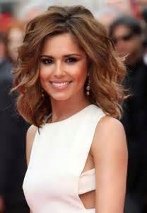 medium length hairstyles mid 20s 20 best short to medium length haircuts short hairstyles