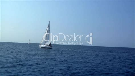 sailing boat video clips sailing boat to boat lizenzfreie stock videos und clips