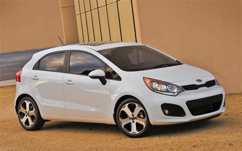 kia hatchback 2013 kia rio sx hatchback to offer manual transmission