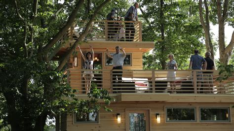 frank lloyd wright tree house treehouse masters frank lloyd wright inspired treehouse today com