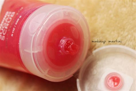 Bodyscrub Cherry bath works japanese cherry blossom foaming sugar scrub review swatches price