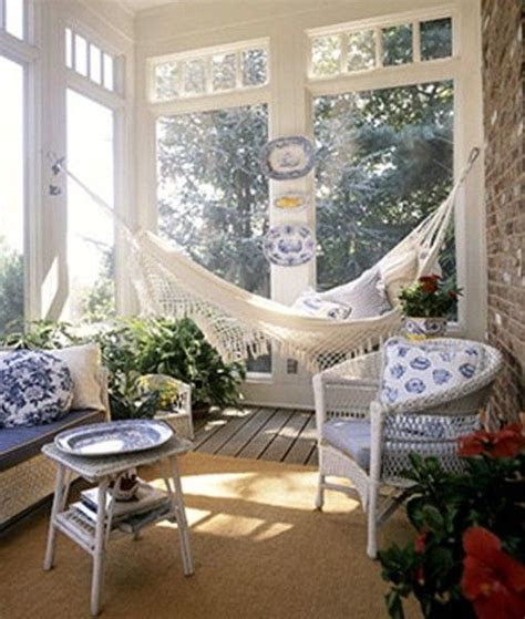 Porch Hammock Now That S Really Cool Screened In Porch With A Hammock