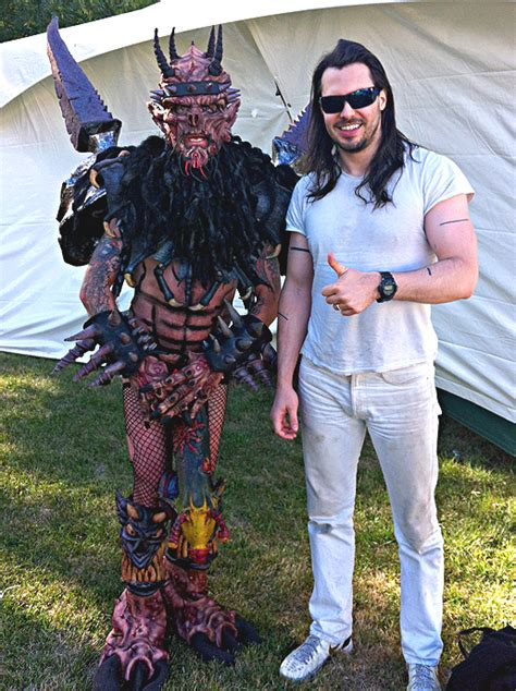 andrew w k news andrew pays tribute to dave brockie of