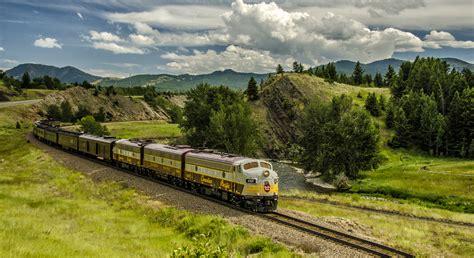 Delightful Ho Christmas Train #7: Cp-canada-150-train.jpg