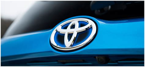 toyota car logo toyota logo meaning and history latest models world