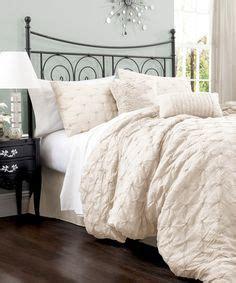 lake como comforter 1000 ideas about ivory bedding on pinterest bedding