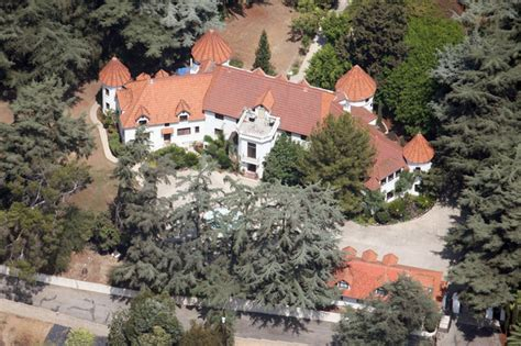 phil spector house file phil spector is reportedly suing the city of alhambra from behind bars claiming