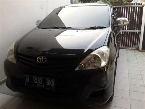 Mobil Toyota Inova E Tahun 2010 dijual toyota kijang innova automatic thn 2010