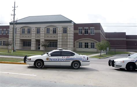 Harris County Sheriff Number Search Two Schools On Lock While Deputies Search For Suspects Nearby Newswatch