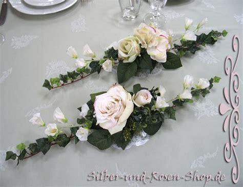 Blumengestecke Hochzeit by Hochzeit On