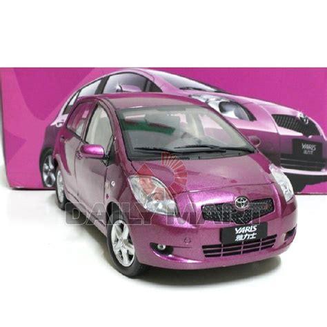 Miniatur Diecast Yaris Skala 1 60 1 18 scale toyota yaris purple diecast car model ebay