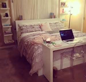 Small Desks For Bedroom Best 25 Small Desk Bedroom Ideas On Small Desk For Bedroom Small Rooms And