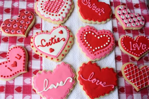 cookies valentines it s written on the wall let s learn how to decorate