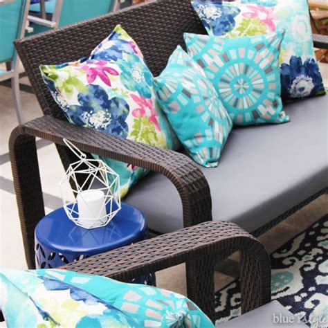 reupholster patio furniture cushions best 25 reupholster outdoor cushions ideas on