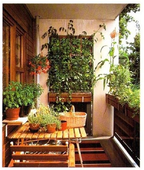 10 Small Balcony Garden Ideas You Should Look Balcony Wall Garden