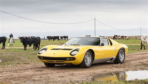 Coolest Looking Lamborghini The Best Looking Among The Fastest The Lamborghini Miura