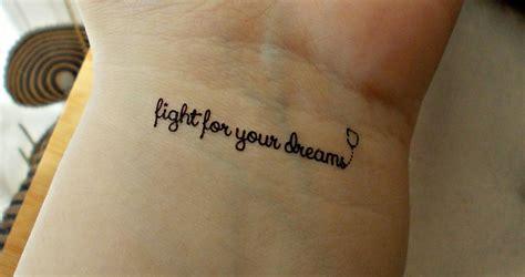 cum tattoo tatuaje pe mana related keywords tatuaje pe mana