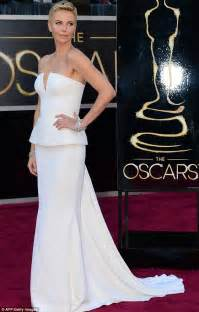 how many women shave the carpet oscars 2013 charlize theron says shaving her head was
