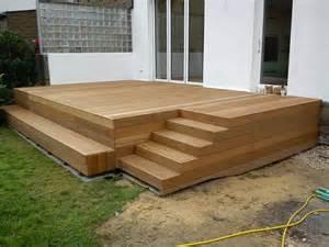 terrasse mit stufe 220 ber 1 000 ideen zu terrassen treppe auf