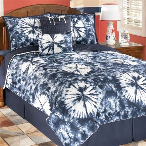 tie dye bed comforter tie dye comforter girls bedroom ideas pinterest