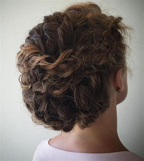 highlighted hair styles chin lenght natural curly hair 20 cute hairstyles for naturally curly hair in 2018