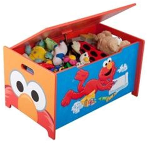 elmo bedroom ideas 1000 images about kayden s room elmo on pinterest sesame streets desk chairs and