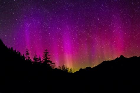 chasing the northern lights where to see the aurora
