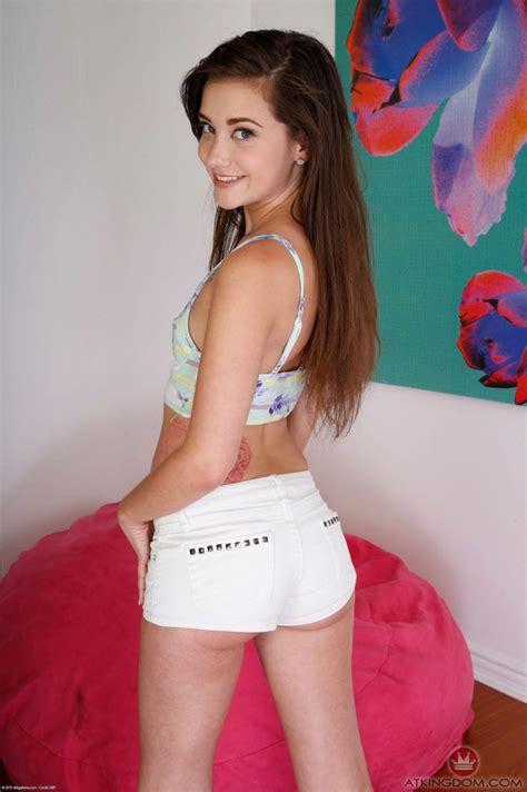 Gia Paige Masturbating