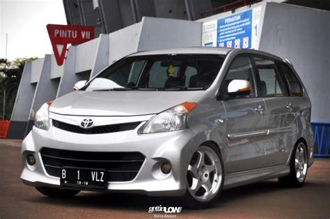 Bantal Mobil Toyota Avanza Veloz 21 gettinlow shendy s 2012 toyota avanza veloz