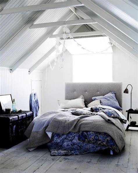 chambre dans les combles photos am 233 nagement des combles pour une chambre sous toit