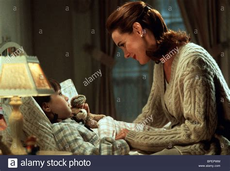 The Miracle On Free Mara Wilson Elizabeth Perkins Miracle On 34th 1994 Stock Photo Royalty Free Image