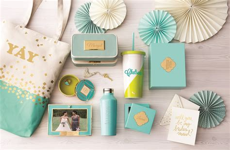 Wedding Shower Favors Ideas by Wedding Favors Wedding Favor Ideas Weddingwire