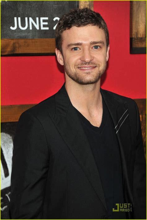 Johansson Replaces Cameron Diaz As Justin Timberlakes Conquest by Johansson Con Justin Timberlake O Bradley Cooper